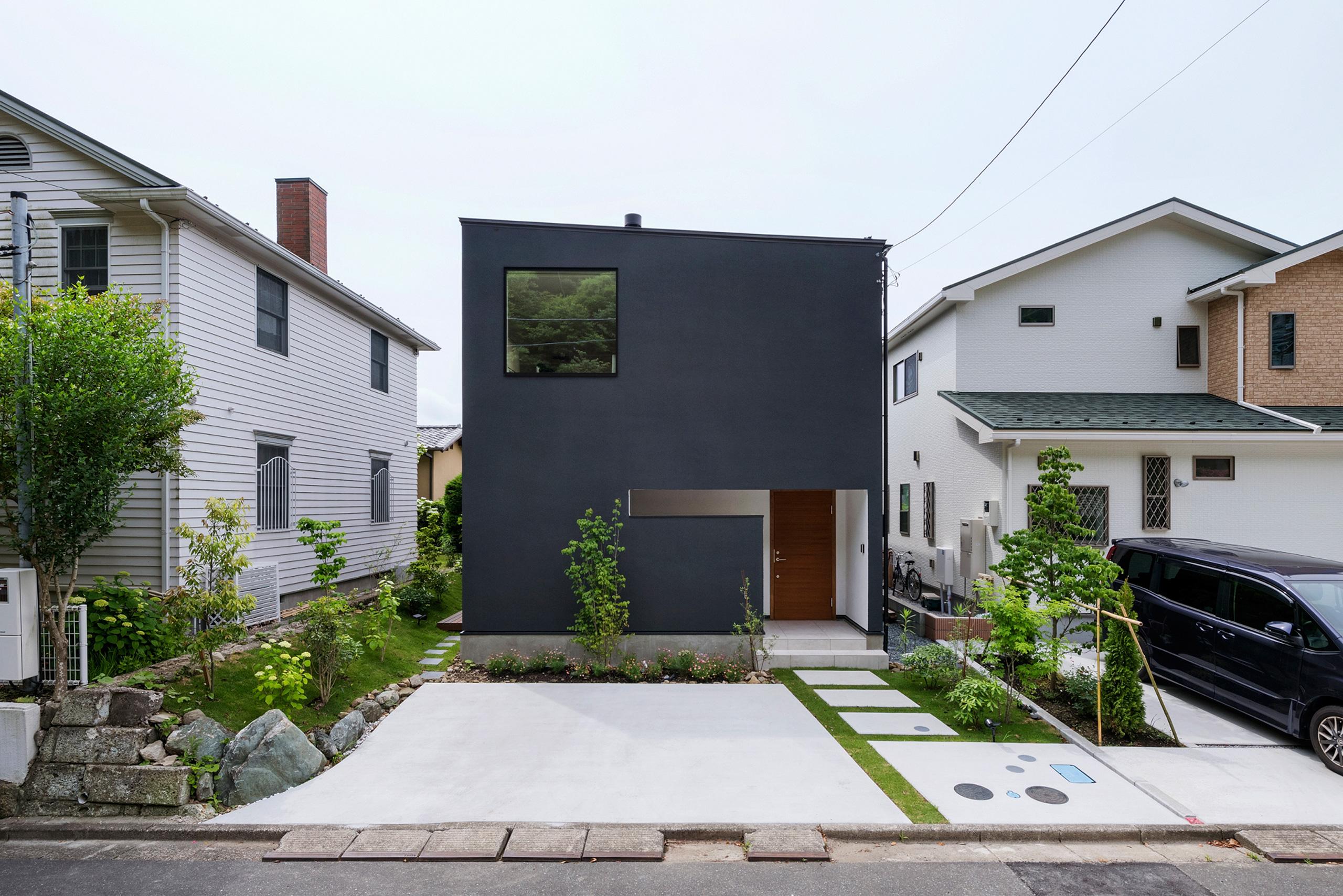 都内郊外に建つ鎌倉の家